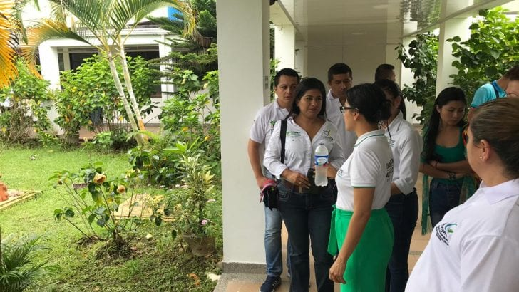Gobernadora visita el hospital Sagrado Corazón de Jesús