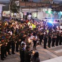 Acto simbólico de solidaridad con la Policía Nacional