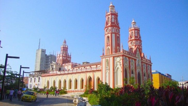 """Barranquilla."""" Ciudad de los brazos abiertos""""."""