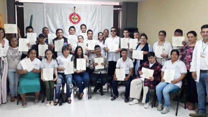 Como Auxiliares en Promoción y Seguridad Alimentaria, 30 personas con discapacidad se certificaron con el SENA