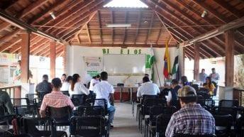 """Se realizó la primera Mesa Pública """"PAE"""" 2019. El operador PAE y la Secretaria de Educación responden – Conclusiones favorables."""