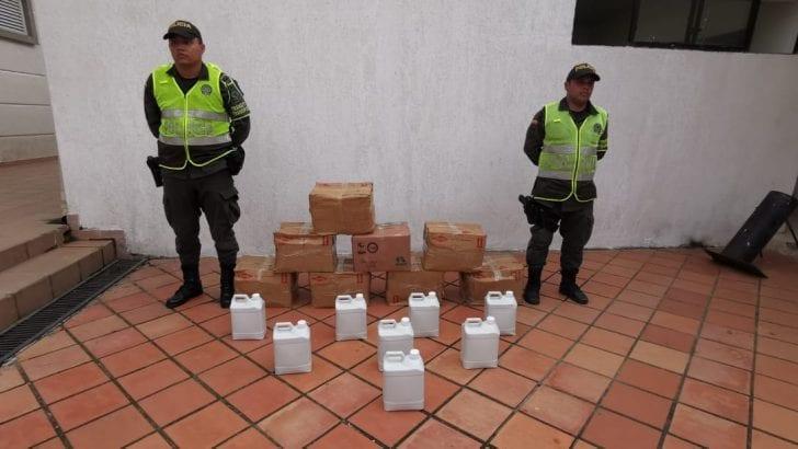 En vías del putumayo, la Policía Nacional incauta 40 galones de ácido sulfúrico