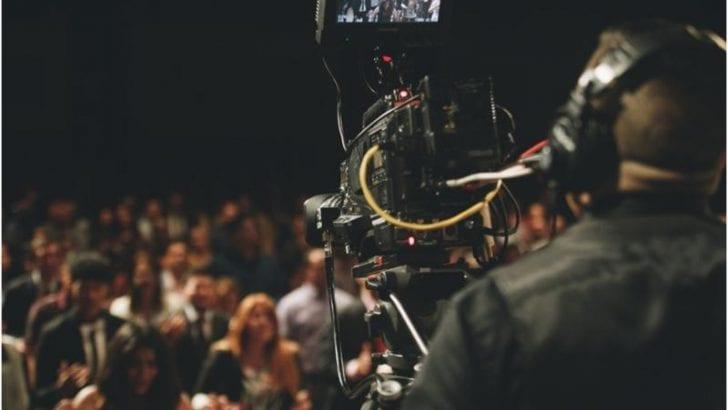 Un espectáculo musical de Colombia o un espectáculo por cámara en vivo