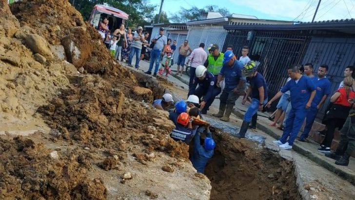 Dos personas lesionadas en accidente laboral en Barrio Rumipamba, Mocoa