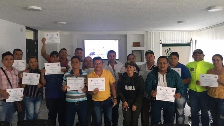 Policía Nacional en Mocoa realiza curso presencial antiextorsión La actividad fue dirigida al gremio de taxistas del municipio de Mocoa