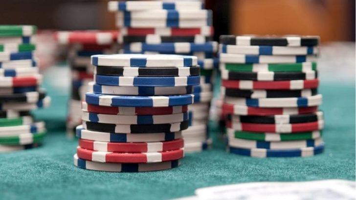La teoría que compara la economía con el Póker