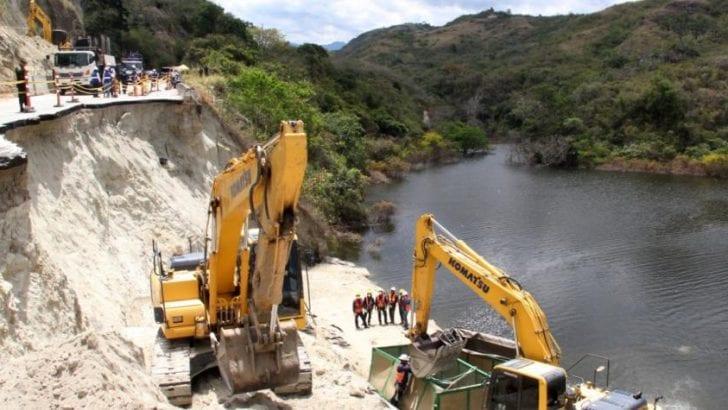 Avanzan los trabajos para recuperar la vía Garzón-Gigante, en el Huila