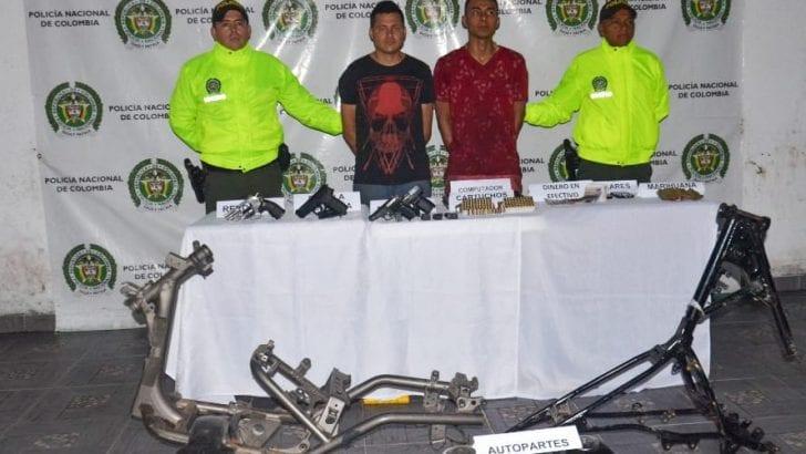 Capturadas 2 personas e incautados material de guerra y moto partes