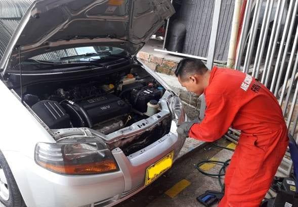 FRIOCAR SAS prepara tu vehículo para este verano