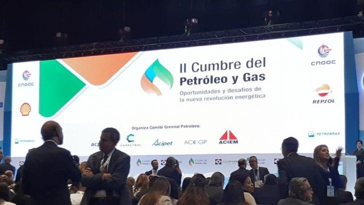 Culmina con éxito la primera jornada de la II Cumbre del Petróleo y Gas.