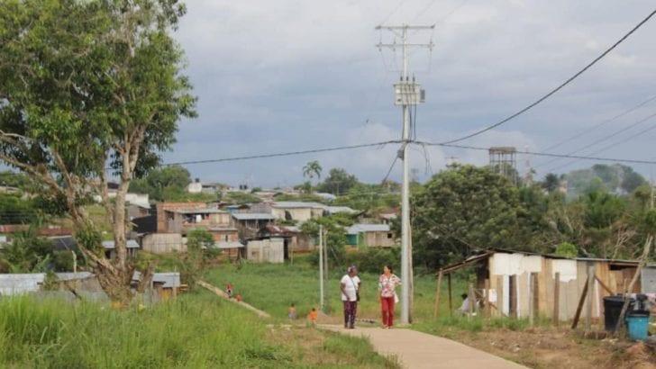 Fase final proyecto de electrificación en Leguízamo
