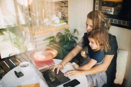 Título: Home office para personas con hijos.jpg - Descripción: home office para personas con hijos